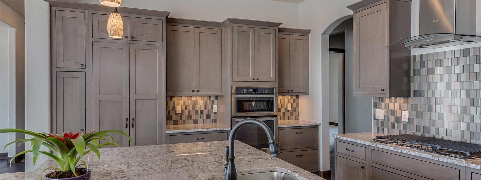336-West-Ridges-Blvd-kitchen-2